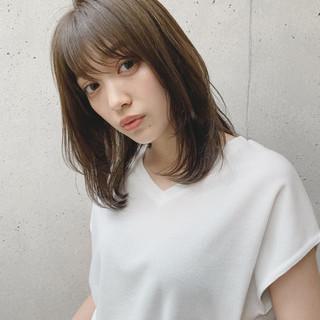 透明感カラー レイヤーカット ミディアム ゆるふわ ヘアスタイルや髪型の写真・画像