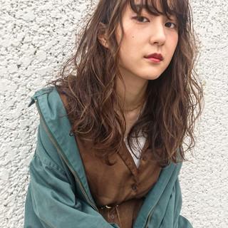 外国人風 セミロング ナチュラル デジタルパーマ ヘアスタイルや髪型の写真・画像
