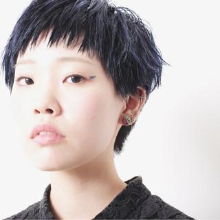 ネイビー ベリーショート モード ネイビーアッシュ ヘアスタイルや髪型の写真・画像