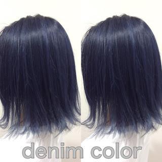 ミディアム ネイビーカラー グレー ヘアカラー ヘアスタイルや髪型の写真・画像