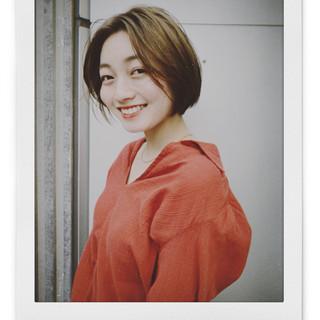 ナチュラル センターパート PEEK-A-BOO 阿藤俊也 ヘアスタイルや髪型の写真・画像