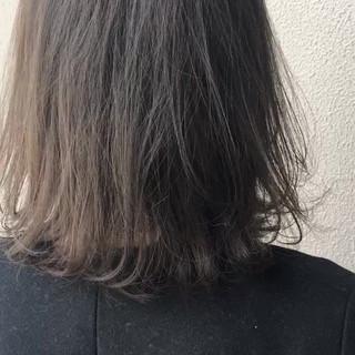 ボブ オフィス アウトドア アッシュ ヘアスタイルや髪型の写真・画像
