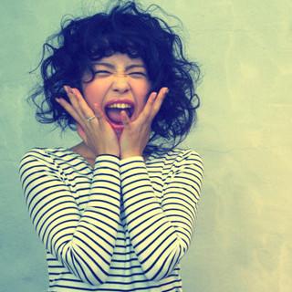 パーマ ふわふわ ミディアム ガーリー ヘアスタイルや髪型の写真・画像
