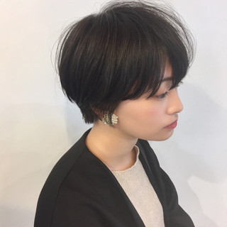 ナチュラル ショートヘア 小顔ショート ショート ヘアスタイルや髪型の写真・画像