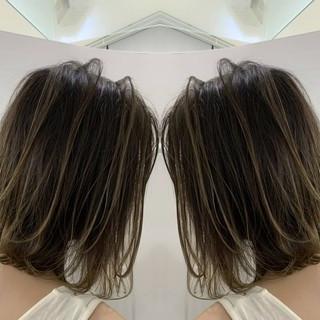 グラデーションカラー バレイヤージュ ナチュラル 3Dハイライト ヘアスタイルや髪型の写真・画像