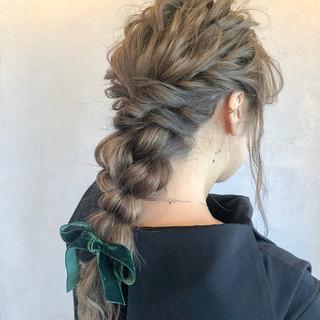 ナチュラル 簡単ヘアアレンジ 結婚式 編みおろし ヘアスタイルや髪型の写真・画像