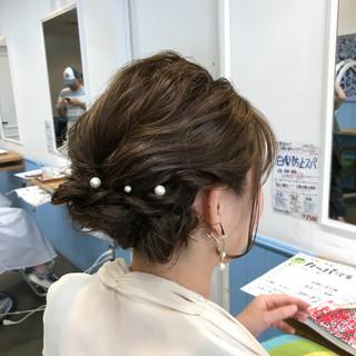 ナチュラル ヘアアレンジ パーティ 波ウェーブ ヘアスタイルや髪型の写真・画像