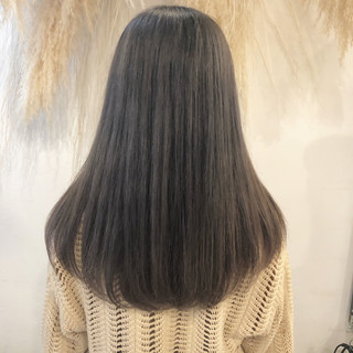 シルバーグレージュ ブリーチ セミロング ブリーチカラー ヘアスタイルや髪型の写真・画像