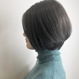 ショートボブ ナチュラル ボブ グレージュ ヘアスタイルや髪型の写真・画像