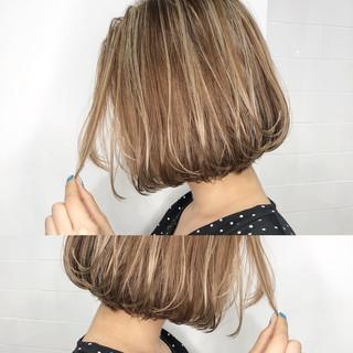 グレージュ ハイライト ナチュラル 外国人風カラー ヘアスタイルや髪型の写真・画像