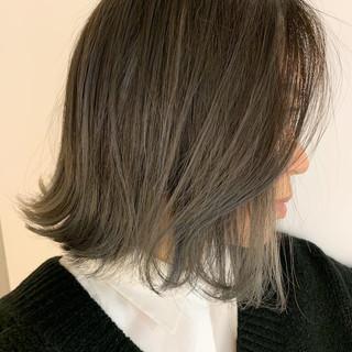 ボブ バレイヤージュ アッシュグレージュ 外ハネボブ ヘアスタイルや髪型の写真・画像