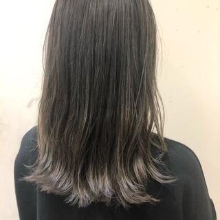ナチュラル ハイライト アッシュ バレイヤージュ ヘアスタイルや髪型の写真・画像
