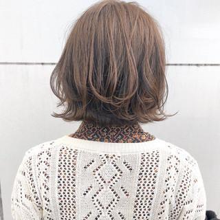 ボブ アンニュイほつれヘア ナチュラル 切りっぱなし ヘアスタイルや髪型の写真・画像
