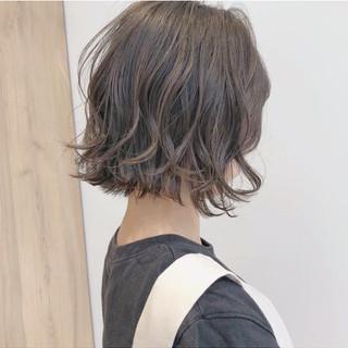 ミニボブ ショートヘア 切りっぱなしボブ ショートボブ ヘアスタイルや髪型の写真・画像
