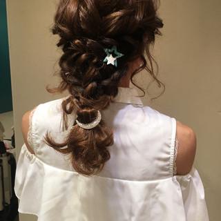 編み込み ヘアアレンジ セミロング 大人かわいい ヘアスタイルや髪型の写真・画像