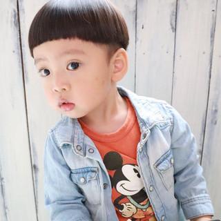 メンズマッシュ ぱっつん マッシュショート ナチュラル ヘアスタイルや髪型の写真・画像