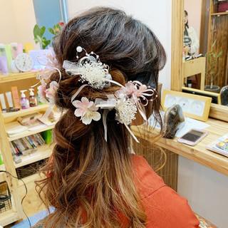 袴 簡単ヘアアレンジ ミディアム ナチュラル ヘアスタイルや髪型の写真・画像
