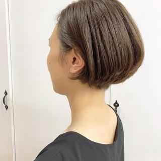 大人女子 ボブ アッシュグレージュ 抜け感 ヘアスタイルや髪型の写真・画像