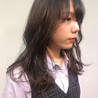 セミロング ナチュラル 韓国風ヘアー デート ヘアスタイルや髪型の写真・画像