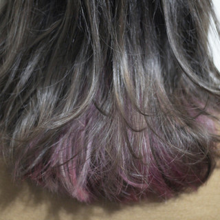 シルバー グレー セミロング シルバーアッシュ ヘアスタイルや髪型の写真・画像