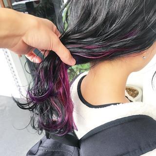 ガーリー セミロング ヘアアレンジ インナーカラー ヘアスタイルや髪型の写真・画像