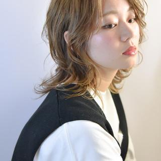似合わせカット ヘアカラー イルミナカラー コテ巻き ヘアスタイルや髪型の写真・画像