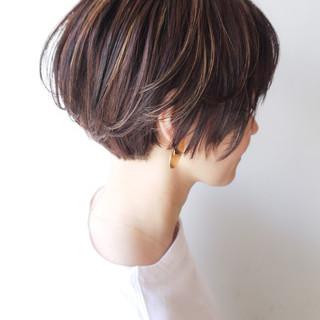 イルミナカラー ショート ハイライト 大人かわいい ヘアスタイルや髪型の写真・画像