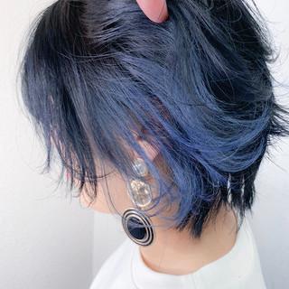 ショート ハンサムショート ブルー インナーカラー ヘアスタイルや髪型の写真・画像 ヘアスタイルや髪型の写真・画像