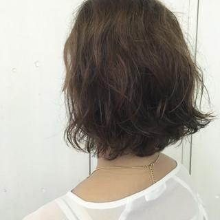 パーマ ヌーディベージュ ベージュ ナチュラル ヘアスタイルや髪型の写真・画像