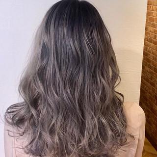 ホワイトシルバー ハイトーンカラー 圧倒的透明感 外国人風カラー ヘアスタイルや髪型の写真・画像