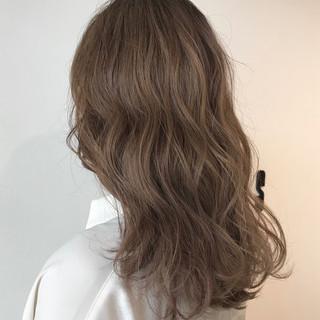 似合わせカット ミルクティーベージュ ヘアカット デート ヘアスタイルや髪型の写真・画像 ヘアスタイルや髪型の写真・画像