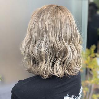 エレガント モテボブ ミディアム アウトドア ヘアスタイルや髪型の写真・画像 ヘアスタイルや髪型の写真・画像