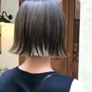 アンニュイほつれヘア ハイライト 秋冬ショート モード ヘアスタイルや髪型の写真・画像
