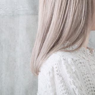 ミルクティーベージュ ホワイトカラー ミルクティーグレージュ ホワイトブリーチ ヘアスタイルや髪型の写真・画像 ヘアスタイルや髪型の写真・画像