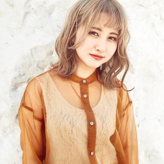 外国人風 ガーリー 外国人風フェミニン ミルクティーベージュ ヘアスタイルや髪型の写真・画像