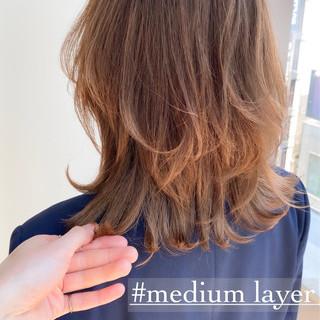 大人ミディアム ミディアム レイヤーカット レイヤースタイル ヘアスタイルや髪型の写真・画像