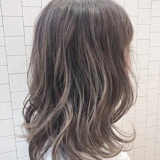 イルミナカラー ナチュラル 透明感カラー ミディアム ヘアスタイルや髪型の写真・画像