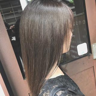 大人ミディアム oggiotto 透明感カラー ナチュラル ヘアスタイルや髪型の写真・画像