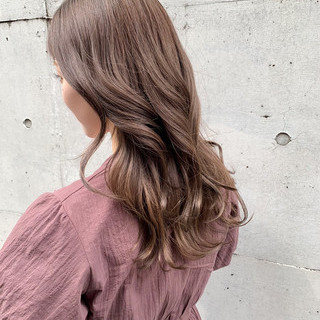 ロング アウトドア 大人かわいい ナチュラル ヘアスタイルや髪型の写真・画像