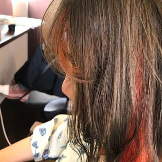 コテ巻き ガーリー ボブ インナーカラー ヘアスタイルや髪型の写真・画像