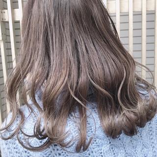 グラデーションカラー セミロング 外国人風カラー ナチュラル ヘアスタイルや髪型の写真・画像