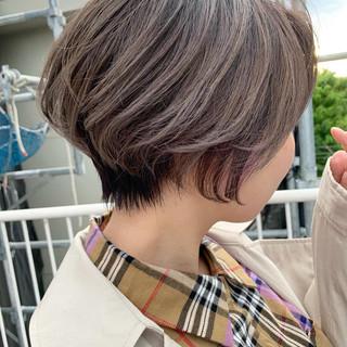 ラベンダーグレー ハンサムショート ショート ミルクティーグレー ヘアスタイルや髪型の写真・画像