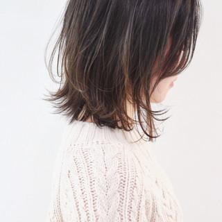 バレイヤージュ 抜け感 外ハネボブ インナーカラー ヘアスタイルや髪型の写真・画像 ヘアスタイルや髪型の写真・画像