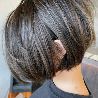 グラデーションカラー バレイヤージュ ボブ エアータッチ ヘアスタイルや髪型の写真・画像