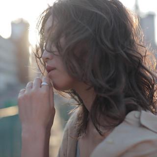 ウルフパーマ ナチュラル ウルフ パーマ ヘアスタイルや髪型の写真・画像