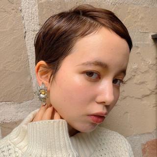 ショート ショートヘア ウルフカット ナチュラル ヘアスタイルや髪型の写真・画像