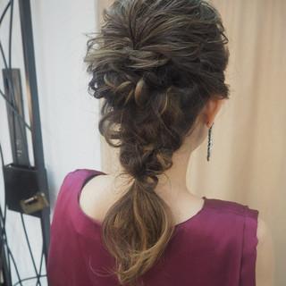 編み込み ヘアアレンジ ナチュラル 成人式 ヘアスタイルや髪型の写真・画像