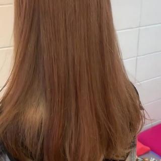 フェミニン ミルクティーベージュ ブリーチ ミルクティーアッシュ ヘアスタイルや髪型の写真・画像