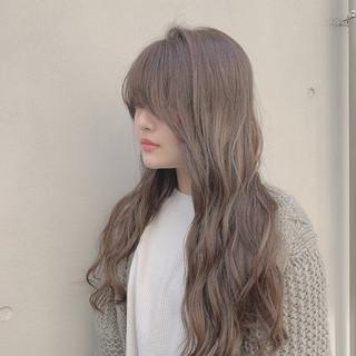 ミルクベージュ グレージュ ロング ハイライト ヘアスタイルや髪型の写真・画像