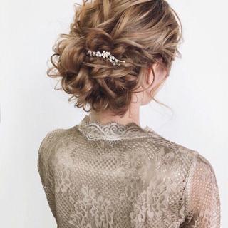 大人かわいい 結婚式 ガーリー セミロング ヘアスタイルや髪型の写真・画像